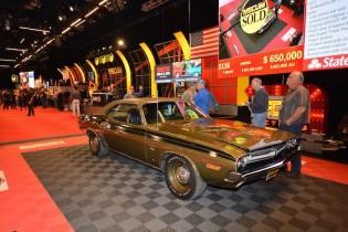 1971 Dodge Hemi Challenger R/T sold for $640,000