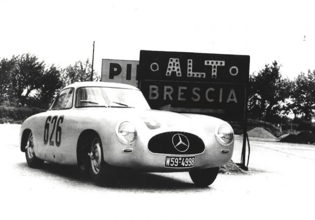 Herrmann Lang, Erwin Grupp, Mercedes-Benz W194 300SL, 1952 Mille Miglia.
