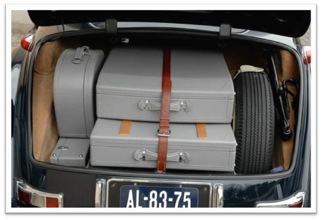 Mercedes-Benz 300 SC Luggage Photo