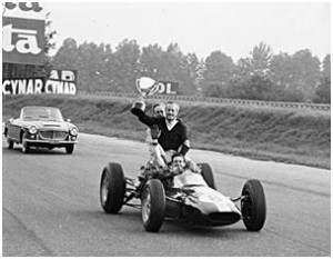 1962 Lotus 25 Formula 1 Race Car - Jim Clark and Colin Chapman with Trophy
