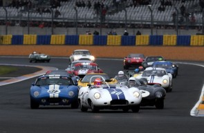 Alex Bumbombe's 1959 Lister Costin leads the starts of Le Mans Legend 2013