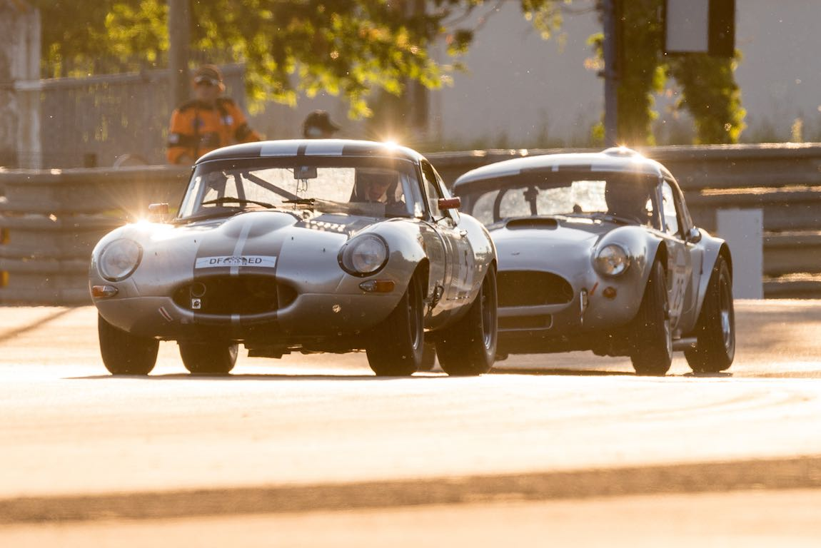 Jaguar E-Type 3.8L 1963 and Shelby Cobra 289 1962
