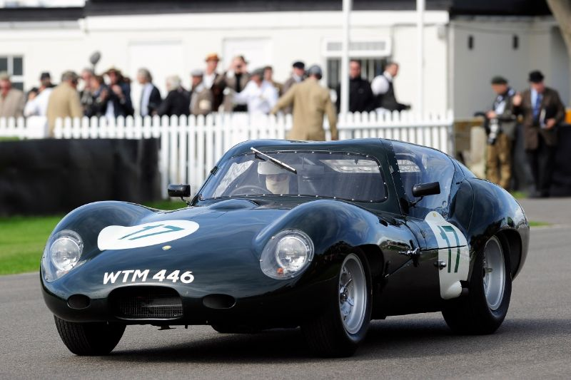 1962 Lister-Jaguar Coupe - Richard Attwood and Andrew Frankel