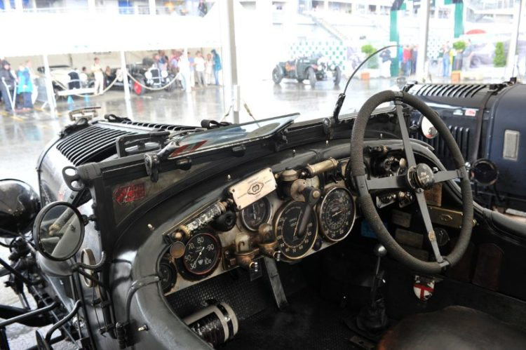 Mechanical wonders in the Blower Bentley - Le Mans Classic 2012