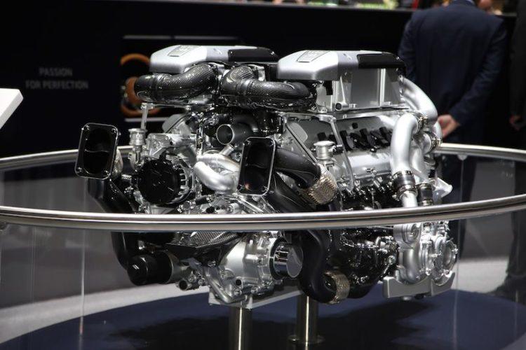 The massive Bugatti Chiron power plant