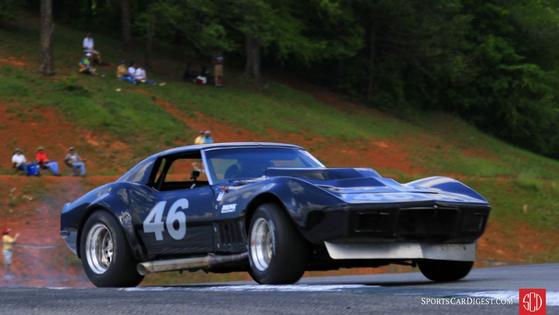 Jody O'Donnell steering his 69 Corvette with the gas pedal.