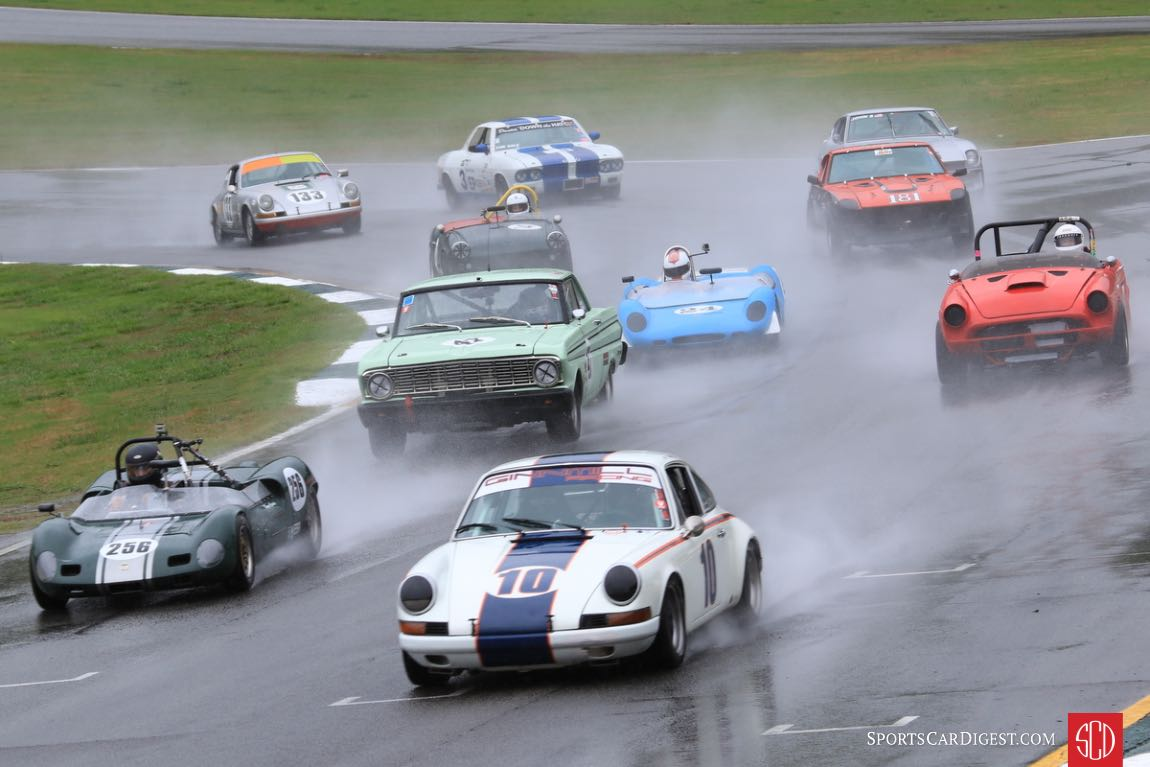 Mayo Smith, 72 Porsche 911T leads a 14 car field to the green flag.