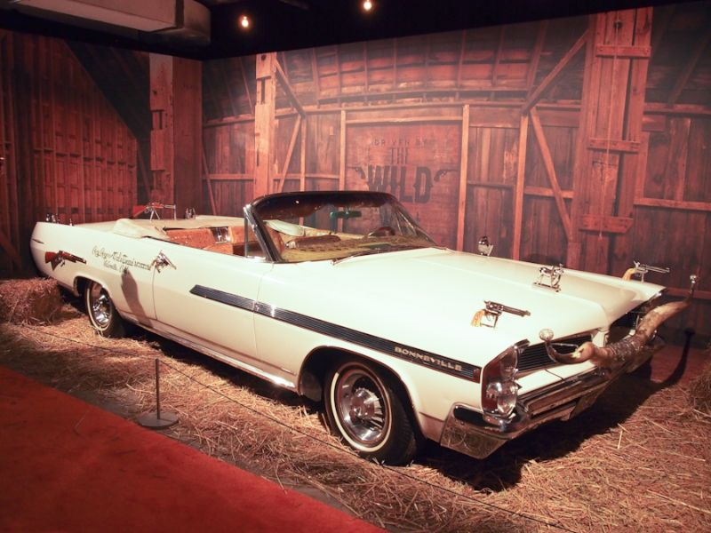 1963 Pontiac Bonneville 'Roy Rogers' Nudie Mobile Convertible
