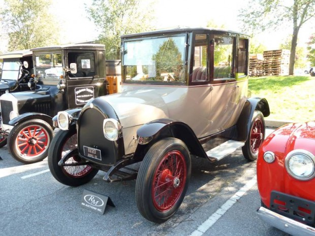 1920 Detroit Model 82 Electric Brougham