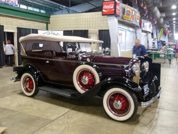 1932 Ford Deluxe Phaeton