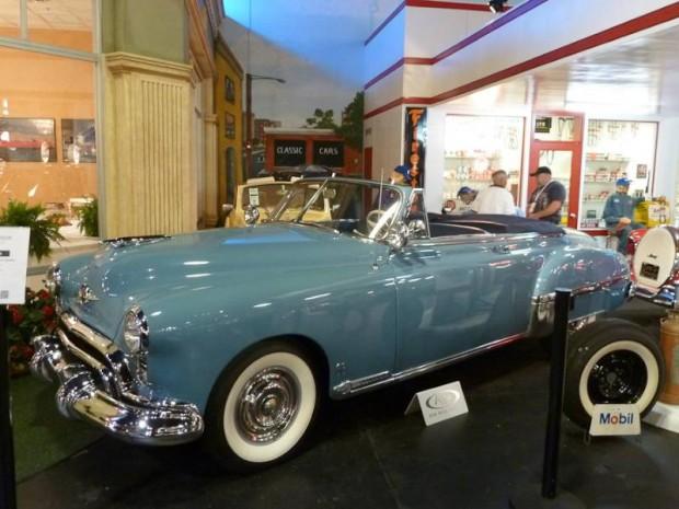1949 Oldsmobile Futuramic 88 Convertible