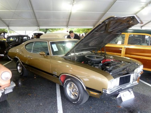 1970 Oldsmobile 4-4-2 W-30 2-Dr. Hardtop