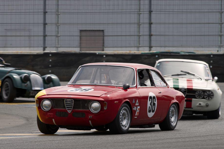 Mark Colbert in his 1964 Alfa Romeo GTA in turn eleven.