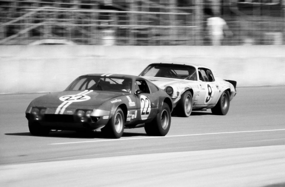 Along with all the Corvettes, Camaros and Porsches in the GT classes there were four Ferrari 365 GTB/4s challenging for their class win.  The #22 NART Ferrari came in second overall and first in their class (GT+2.0).  The Z28 Camaro came in 7th overall and first in their class (T5.0).  Louis Galanos photo.