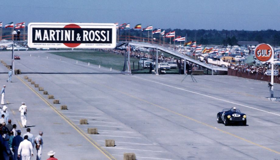 Phil Hill, Shelby Cobra 289 FIA
