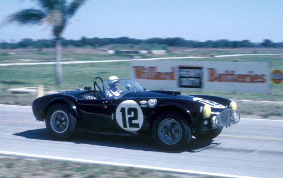 Phil Hill, FIA Shelby Cobra 289