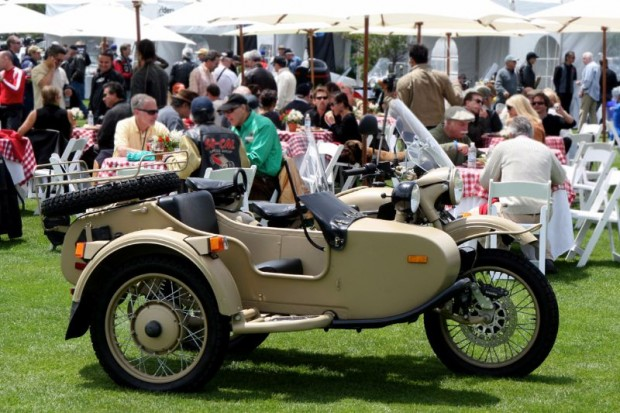 This is on the other side of the show field, and more of the same BBQ lunch in proximity to a utilitarian sidecar suited in cool desert tan.