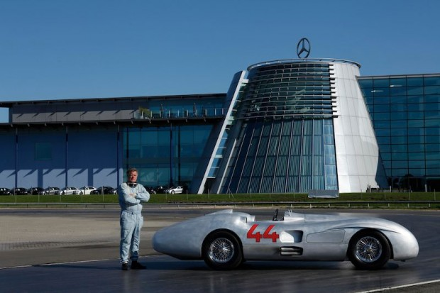 Mercedes benz streamliners profile history photos for Mercedes benz surrey uk