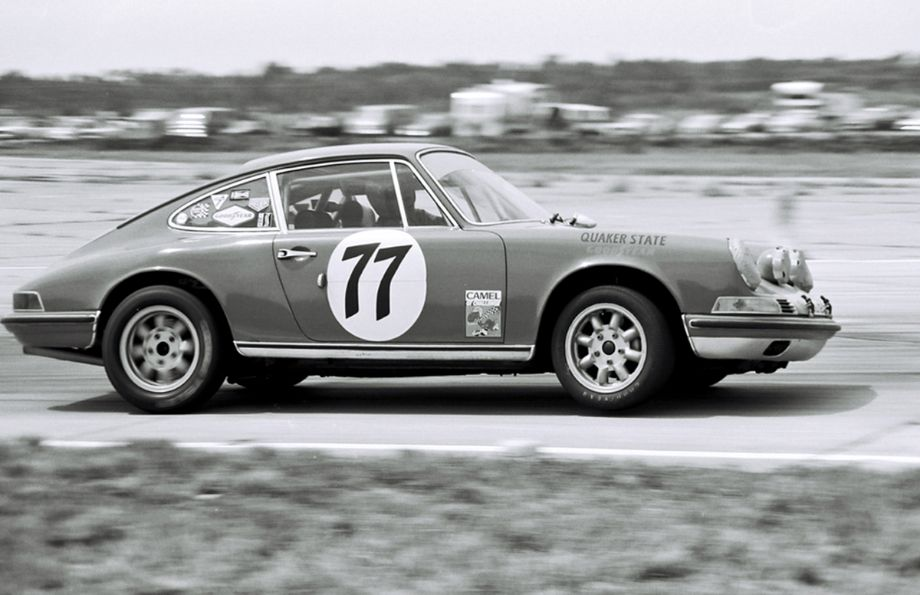 Bruce Jennings and Bob Beasley finished 13th in this Porsche 911S