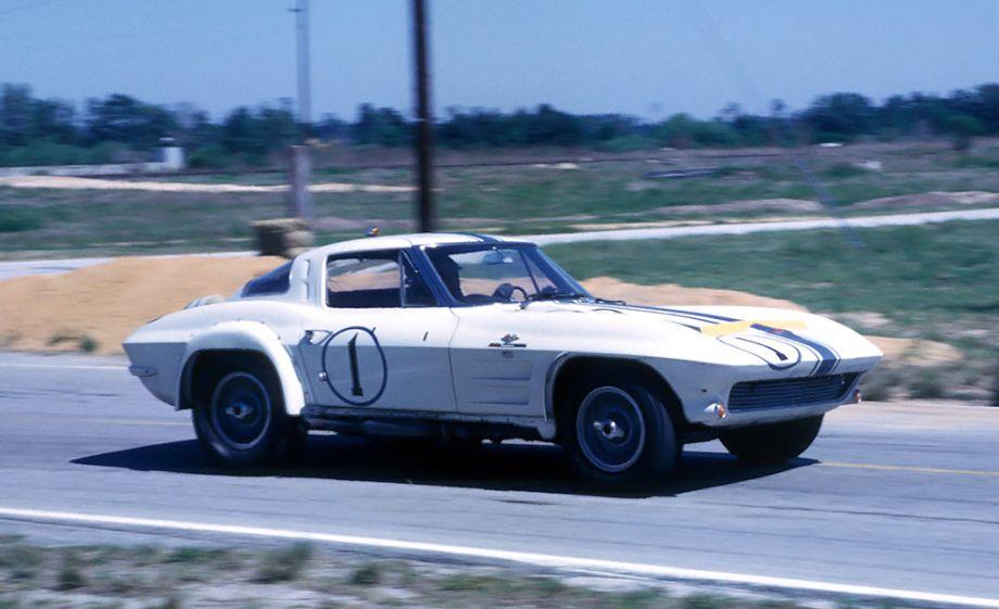 Dick Thompson – Don Yenko Corvette
