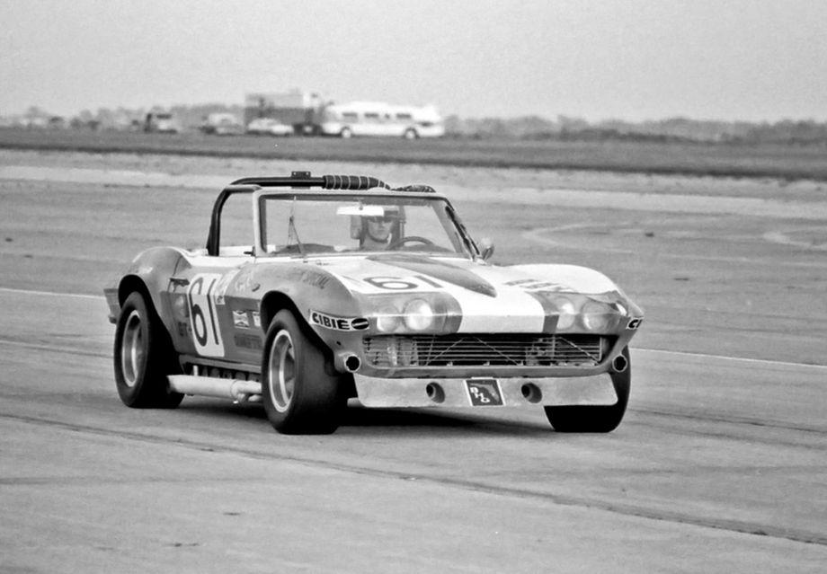 Chevrolet Corvette of Scott Chapman, John McLaren and Bill Hood