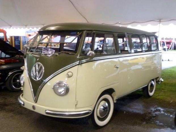 1958 Volkswagen Type 2 Deluxe Microbus 15-window