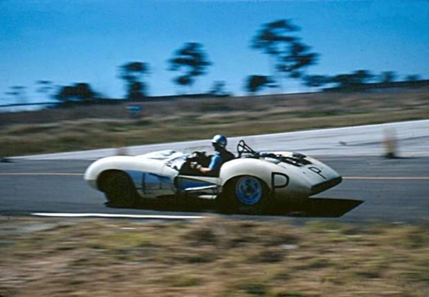 John Fitch drives the practice 'P' Corvette SS.