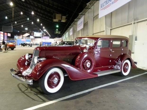 1935 Duesenberg Model J Sedan, Body by Derham