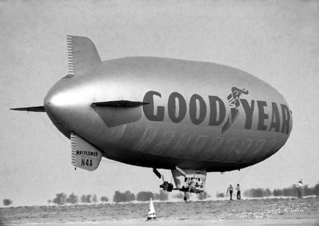 Goodyear blimp Mayflower
