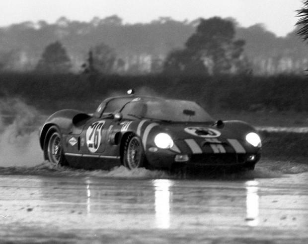 Bob Grossman and Skip Hudson in their Ferrari 330P