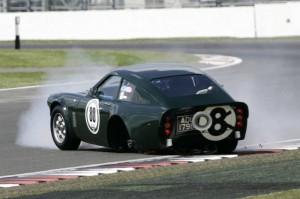 Sunbeam Le Mans Tiger loses a wheel