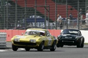 Chevrolet Corvette leads Sunbeam Le Mans Tiger
