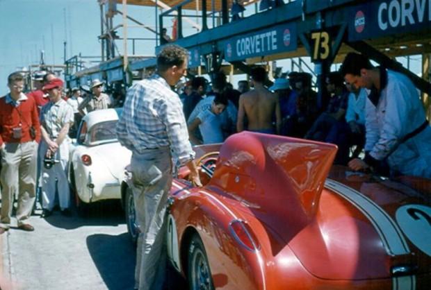 General Motors had four Corvettes entered in the 1957 Sebring race.