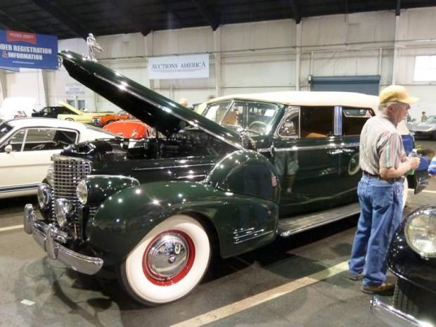 1939 Cadillac Series 90 V-16 Convertible Sedan