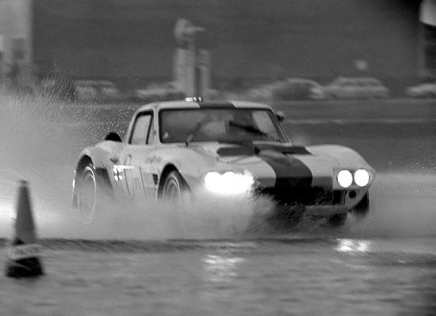 Gran Sport Corvette - Delmo Johnson and Dave Morgan