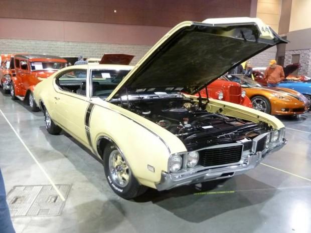 1969 Oldsmobile 4-4-2 2-Dr. Hardtop