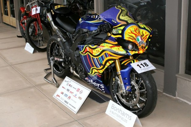 And here's the whole YZF-R1, with full spectrum Valentino Rossi touch.  Just beyond those windows the auction is already underway.