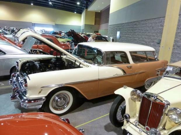 1956 Pontiac Safari 2-Dr. Station Wagon