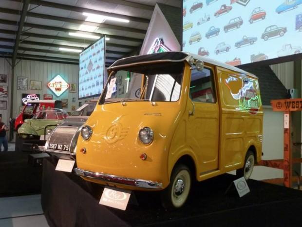 1963 Goggomobil TL-250 Transporter Dubble Bubble