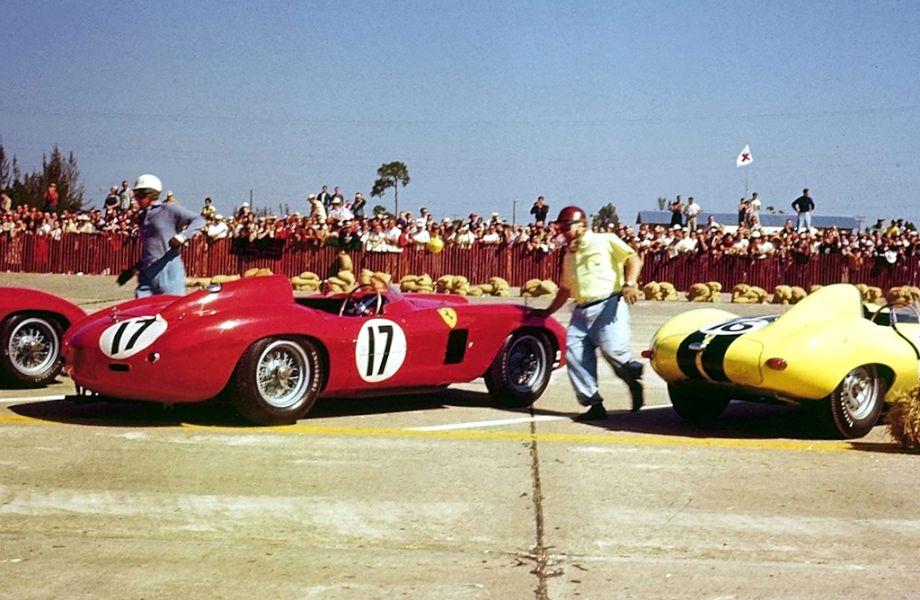 Running start of the 1956 Sebring 12 Hours