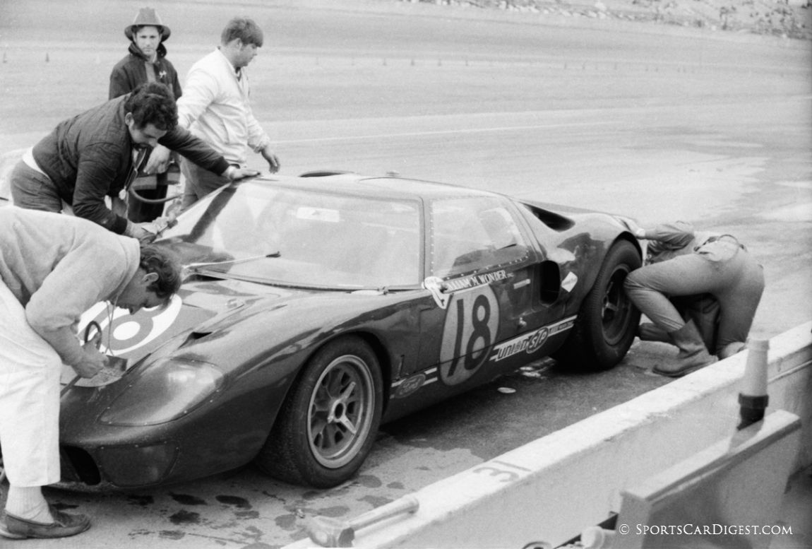 Wil Wonder/Ray Cuomo Ford GT40 would finish a remarkable eighth overall. Not bad for an antique. (Lou Galanos photo)
