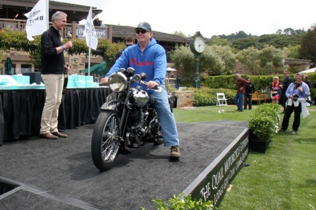 Event co-founder Gordon McCall announces Gene Brown and his 1938 Brough Superior SS-80 as winner of The Quail's Best of Show Award.