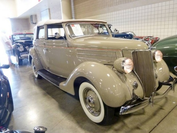 1936 Ford Deluxe Convertible Sedan