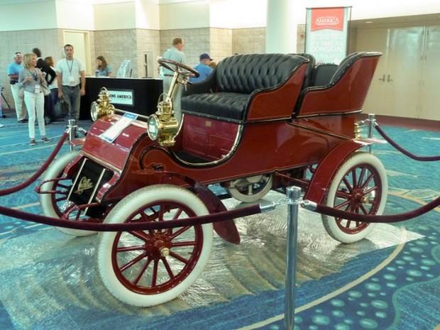 1903 Cadillac Rear-Entry Tonneau
