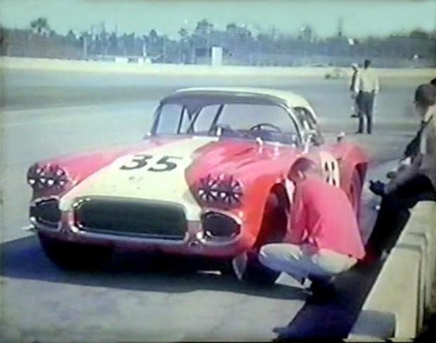 Skip Hudson Chevrolet Corvette C1 in the pits at Daytona 1962.