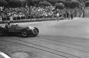 Alberto Ascari in the Ferrari 125 F1 during the 1950 Monaco Grand Prix