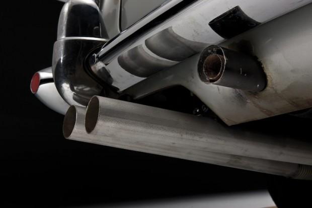 Aston Martin DB5 James Bond Movie Car - Oil Slick Sprayer