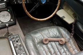 Aston Martin DB5 James Bond Movie Car - Phone