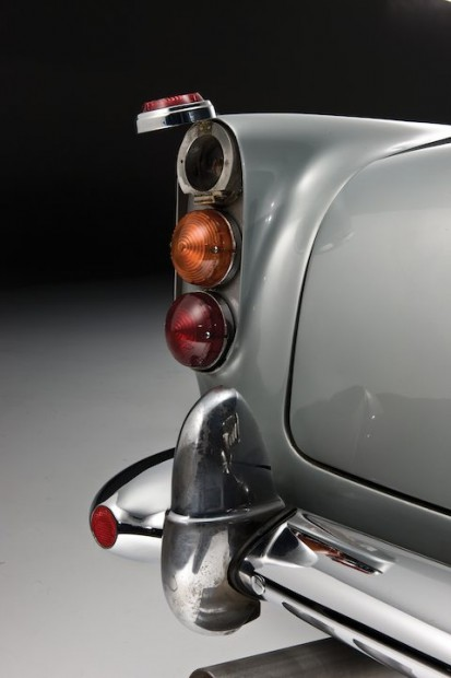 Aston Martin DB5 James Bond Movie Car - Taillight
