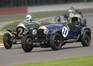 Wheel-to-wheel Bentley action at the Bentley Drivers Club annual Silverstone Race Day (photo: Peter de Rousset-Hall)